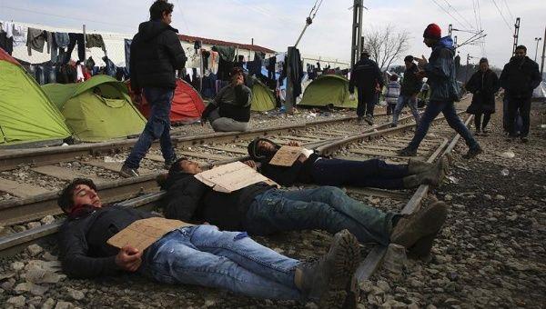 Refugiados protestan en contra del cierre de fronteras