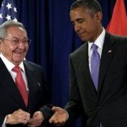 Barack Obama and Raul Castro hold meeting and press conference.