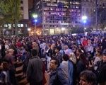 Hundreds of people gathered on Thursday night in the emblematic Plaza de Mayo, in the Argentinian capital of Buenos Aires, to demand the resignation of President Mauricio Macri.