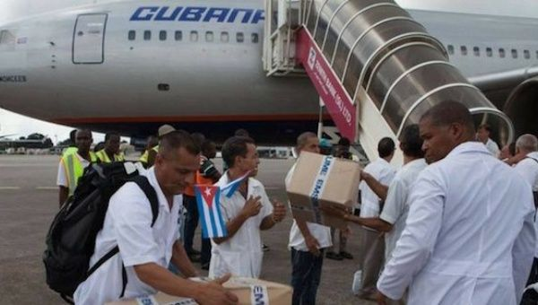 A team of Cuban doctors prepare supplies for the victims in the Ecuadorean earthquake.