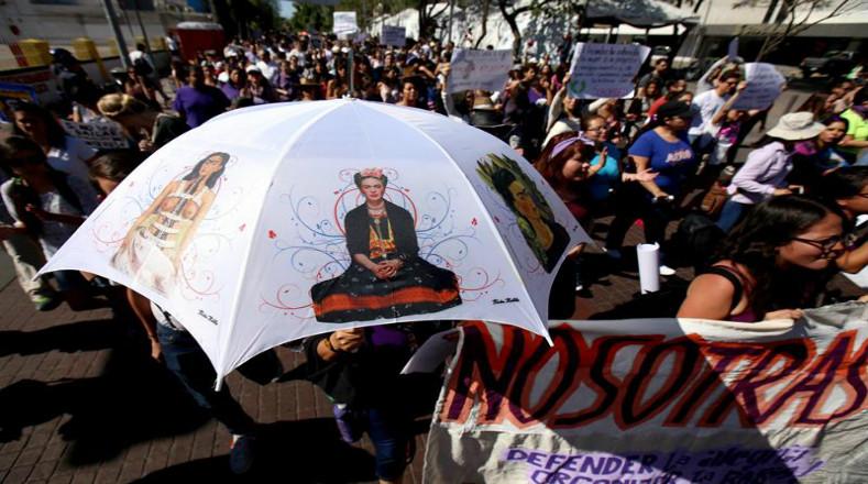 Demandan al gobierno federal acciones para combatir todo tipo de violencia contra la mujer.
