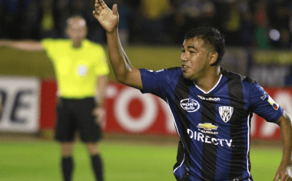 Independiente del Valle's Junior Sornoza celebrates after scoring a stoppage time penalty,  April, 28. 2016.
