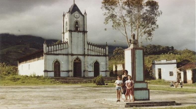 Fotografía de Potosí cuando estuvo poblado y antes de la construcción del embalse y la presa La Honda.
