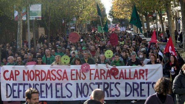 İspanya: Gösteri Yasasına Karşı Protestolar
