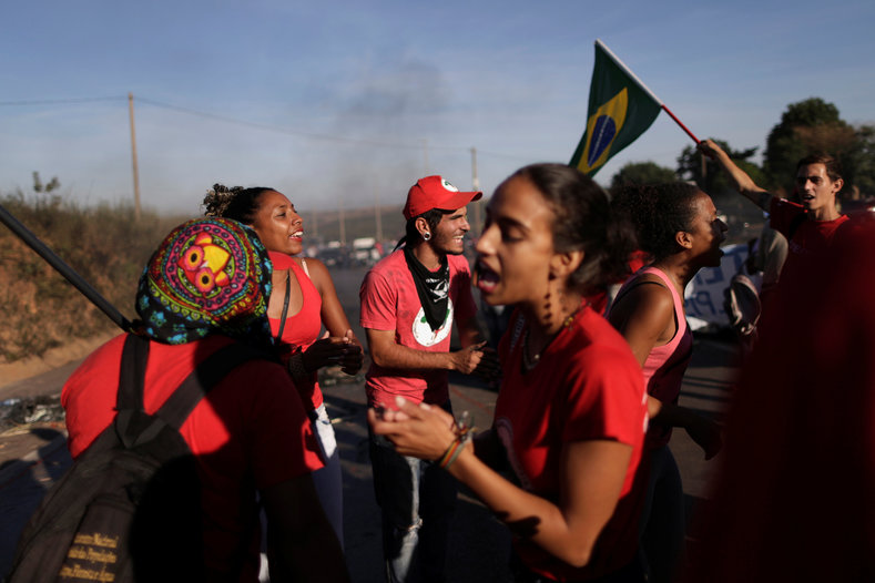 In Brasilia, members of the Landless Workers Movement (MST) joined the protest against the impeachment of Rousseff.