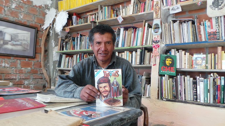 Edwin Calle with his favorite Che Guevara inspired comic book