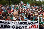 Puerto Ricans took to the streets on Sunday backing political prisoner Oscar Lopez Rivera.