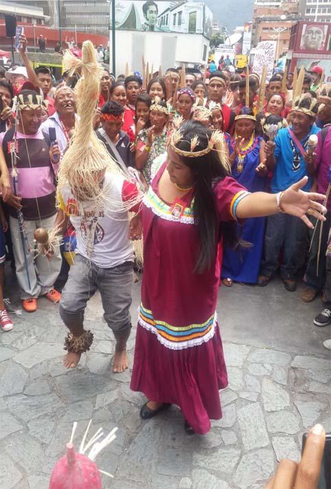 Pueblos indígenas demostraron que la paz y la alegría es su defensa contra las acciones imperiales.
