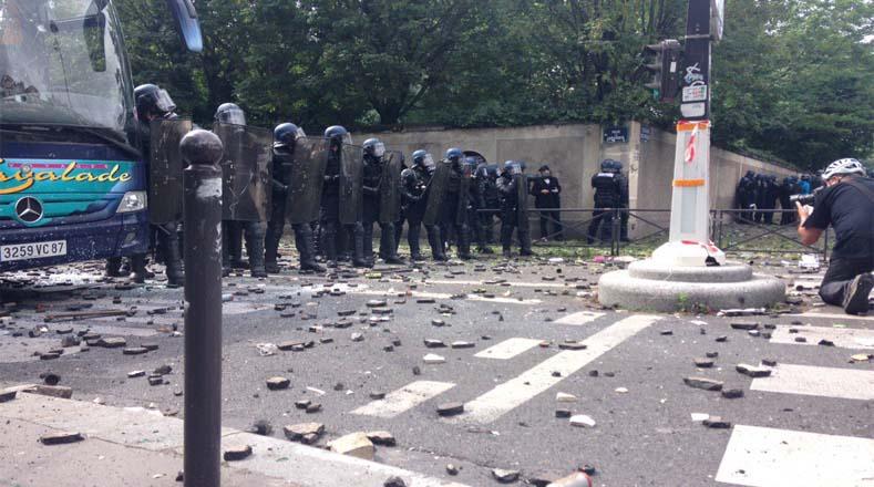 Prefectura indicó que unos 90 mil oficiales de seguridad tomaron las calles para controlar la marcha contra la reforma laboral.