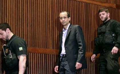 Brazilian building magnate Marcelo Odebrecht, center, arriving for a hearing in Brazil in September.