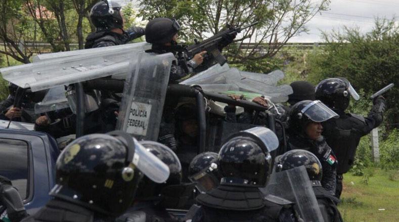 Es una de las represiones más violentas por el uso excesivo de la fuerza policial, que llegó hasta los disparos de armas de fuego contra los integrantes de la Coordinadora Nacional de Trabajadores de la Educación (CNTE).