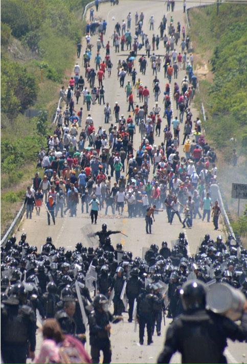 Unas 21 personas fueron detenidas durante los disturbios, por lo que serán puestos a disposición de la fiscalía estatal para que esta determine su situación legal frente a los hechos.