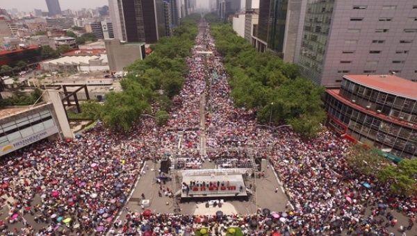 Meksika: Oaxaca Katliamını Onbinler Protesto Etti