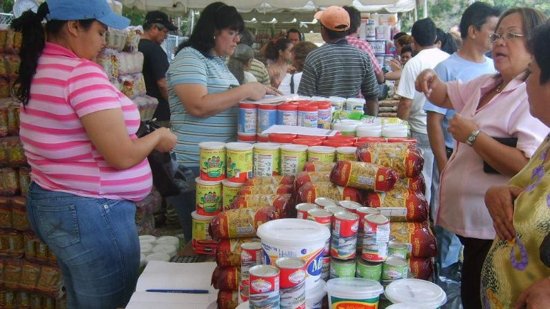 Thousands of Venezuelans buy food at subsidized prices as part of a government program that promotes food sovereignty.