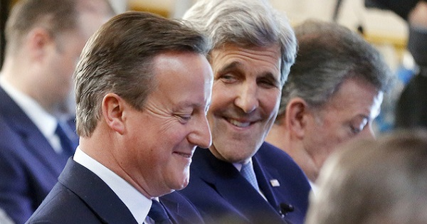 David Cameron y John Kerry