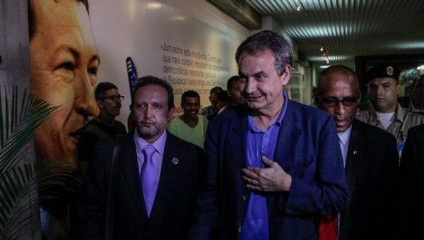 Former Spanish Prime Minister Jose Luis Zapatero arrives in Venezuela to help facilitate direct talks between the government and the opposition, July 8, 2016.