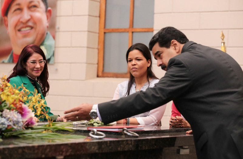 El presidente venezolano Nicolás Maduro se incorporó a las actividades en el Cuartel 4F junto a su esposa, la primera combatiente, Cilia Flores, y una de las hijas del comandante, María Gabriela Chávez.