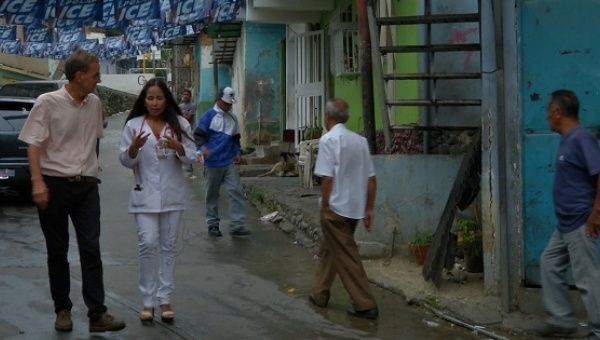Barrio Adentro doctor Betty Martinez tells teleSUR correspondent Iain Bruce about the battle between the public and private health care systems.