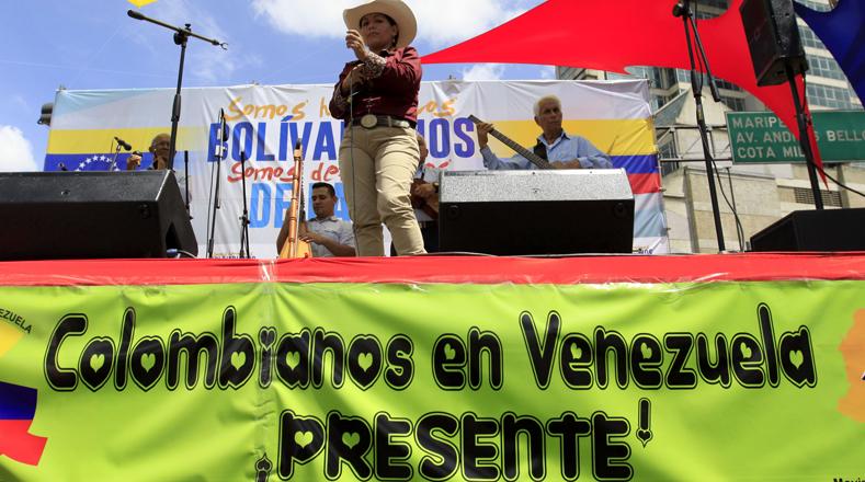 """""""Esta es la expresión viva de que existe un pueblo organizado de origen colombiano que lucha día a día a pulso firme con el pueblo hermano venezolano para avanzar en un mejor país"""", expresó el líder de la Asociación de Colombianos en Venezuela."""