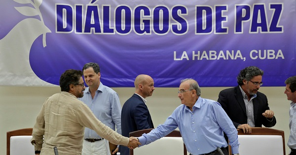 Lead negotiators Humberto de la Calle and FARC