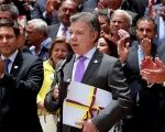 Colombia's President Juan Manuel Santos (C) declares a definitive ceasefire with FARC in Bogota, Colombia, Aug. 25, 2016.
