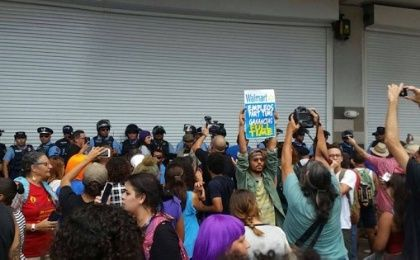 The protest forced Walmart to temporarily closed its doors after the police intervened.