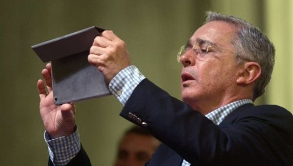 Uribe began a campaign against ending Colombia