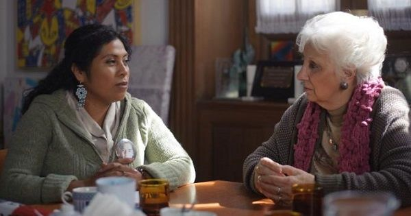 Cristina Bautista (L), mother of one of the 43 Ayotinapa students, speaks with Argentine human rights activist Estella Carlotto.
