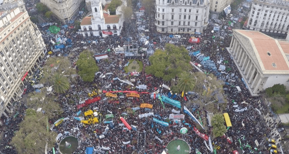A packed Plaza de Mayo during the Federal March