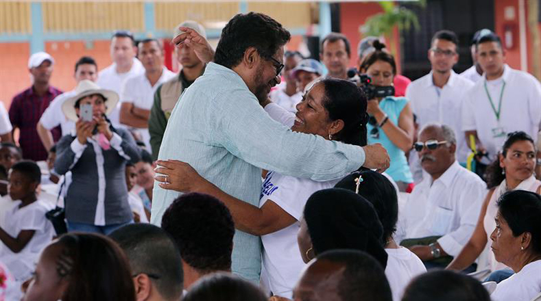 """""""Queremos restablecer las relaciones que nos dañó la violencia, por eso hemos venido a hablarle a los corazones heridos"""", recordó Iván Márquez."""
