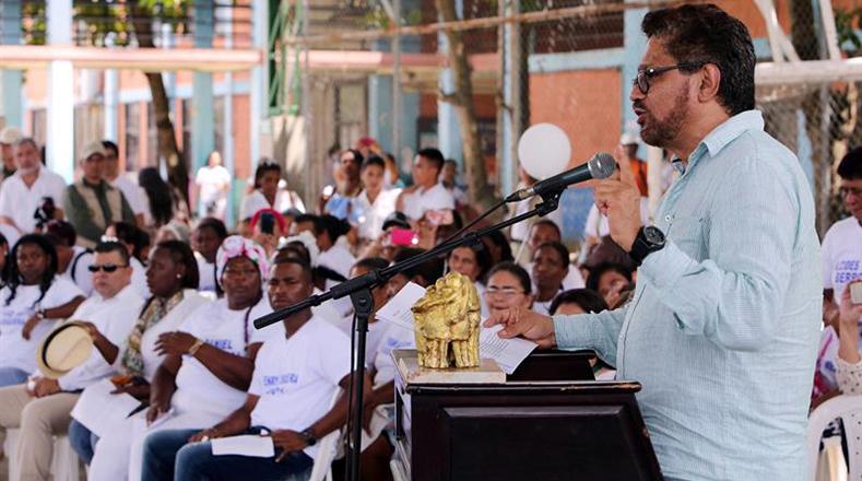 """""""Compenetrados con el más profundo sentimiento de humanidad y de respeto hemos venido a La Chinita 22 años después de aquel triste 23 de enero con el corazón compungido a pedirles perdón con humildad por todo el dolor que hayamos podido causar en el transcurso de esta guerra"""", dijo Iván Márquez."""