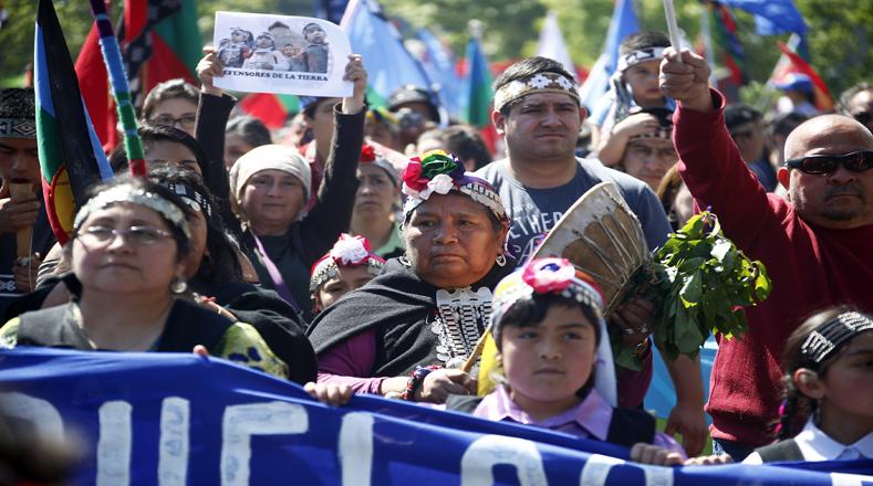 Se estima que participaron más de tres mil personas de las comunidades mapuches del país.
