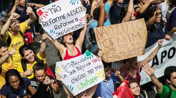 El Gobierno quiere imponer una nueva estructura social, sin derecho y con una nueva ideología empresarial para explotar aún más.
