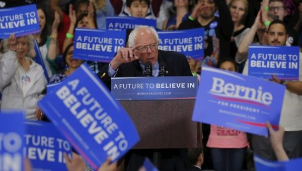 Democratic U.S. presidential candidate Bernie Sanders speaks to supporters during a campaign rally in Oaks, Pennsylvania, April 21, 2016.
