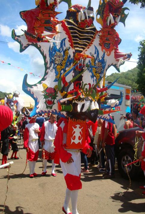Los carnavales en Venezuela están llenos de papelillos, disfraces, coronación de la reina y calipsos.