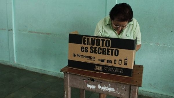 Some 3.2 million Costa Ricans and and 53,000 foreign nationals are registered to vote in Sunday