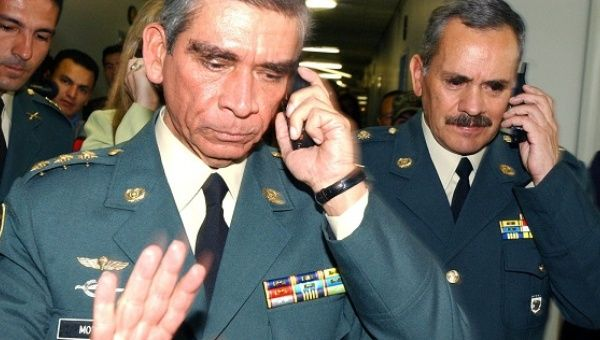 colombian army general jorge enrique mora stood up and walked away from victims at the peace
