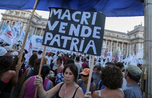 Resultado de imagen de Manifestaciones en Argentina contra Macri y el FMI 2018 imágenes