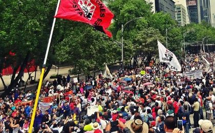 Mexico City Holds Massive March in Support of Teachers