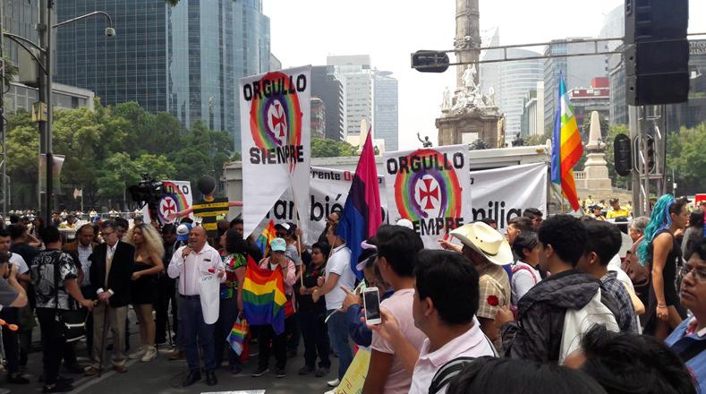 Matrimonio Igualitario Biblia : Mexicanos protestan en favor y contra del matrimonio