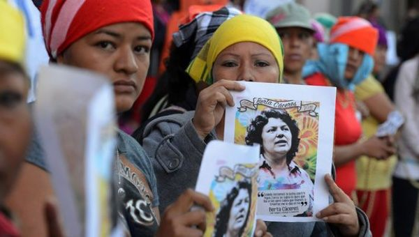 Lenca indigenous women protest against the murder of Honduran environmentalist Berta Caceres, in front of the Public Ministry in Tegucigalpa on April 5, 2016.