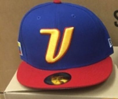 Gorra prevista para usar por la selección de Venezuela en el Clásico  Mundial de Béisbol 2017.  3e11f6f12a5