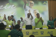 Lenin Moreno (sitting in white) and Vice President Jorge Glas (standing in white) were joined by President Rafael Correa at the launch of the campaign.