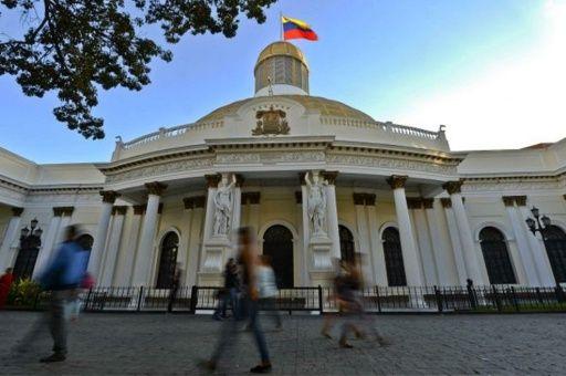 El organismo legislativo no ha dado pasos para solucionar los problemas económicos de Venezuela.