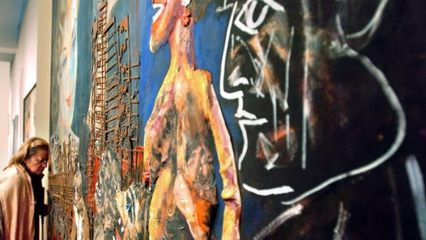 """La creación """"Niña con vestido rosa"""" del muralista mexicano, Diego Rivera, también compite para ser adoptada por el mejor comprador."""