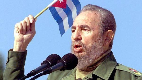 El 1 de enero de 1959 triunfa la Revolución Cubana con Fidel Castro como líder.
