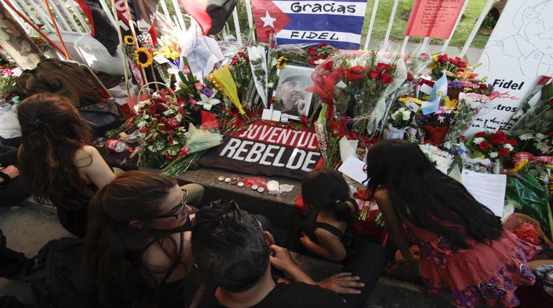 La juventud, el futuro de un nuevo mundo, agradece el legado y las enseñanzas que deja Fidel Castro.