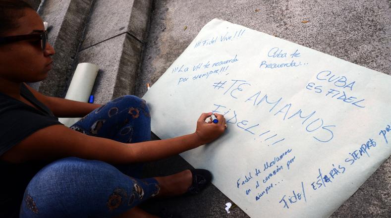Los mensajes de un pueblo que admira a su líder se han regado por todas las calles en Cuba.