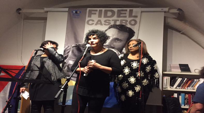 Organizaciones latinoamericanas, artistas, músicos, cultores y poetas participaron en un homenaje a Fidel castro en la Casa de la Solidaridad en Estocolmo-Suecia.