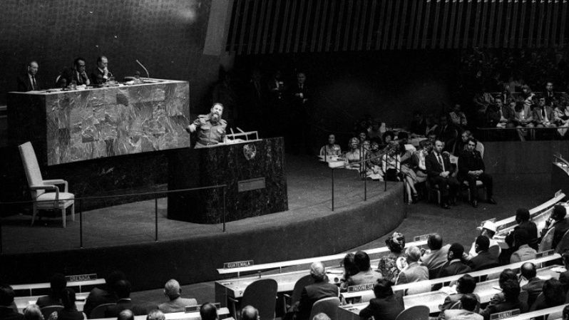 Fidel speaks to the United Nations General Assembly as part of the Non-Aligned Movement on October 12, 1979. His speeches became legendary for both their content as well as their length, often lasting several hours.
